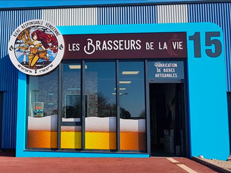https://www.lesbrasseursdelavie.com/wp-content/uploads/2019/08/boutique-devanture.jpg